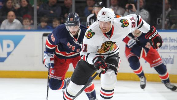 dm_150318_nhl_blackhawks_rangers_highlight